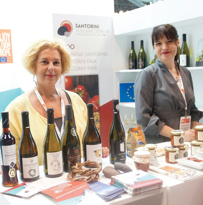 Summer Fancy Food Show 2018: Santowines, Santorini, Greece: Stela Kasiola, Marketing Manager, and Antonia Tsaira.